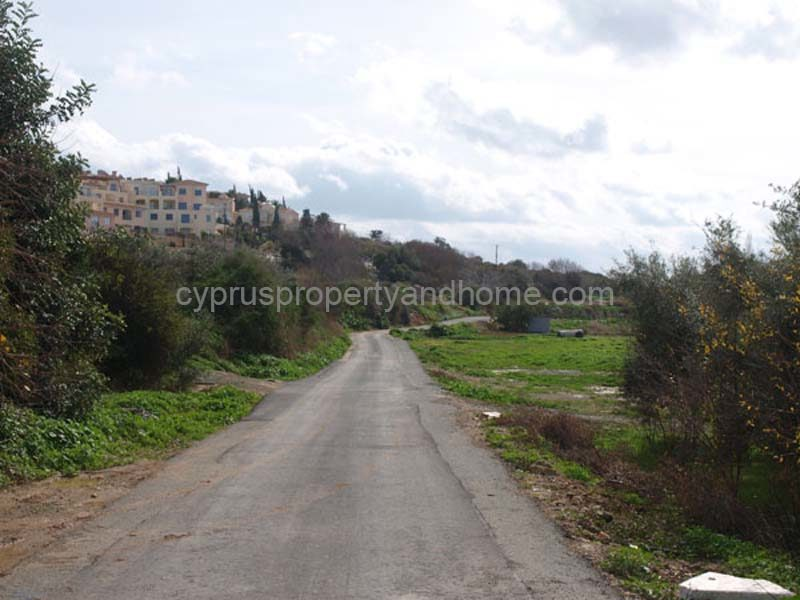 Kissonerga – 2,950m2 – Only 300m from Sea